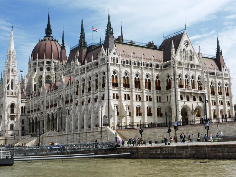 De Parlementsgebouwen in Pest