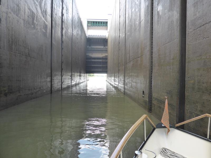Sluis in het Main-Donaukanaal